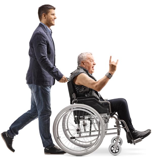 Senioren Rocker geschoben von Pfleger