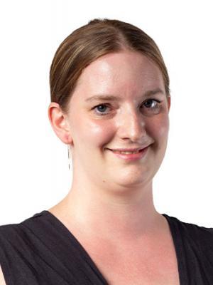 Yvonne Barde Portrait